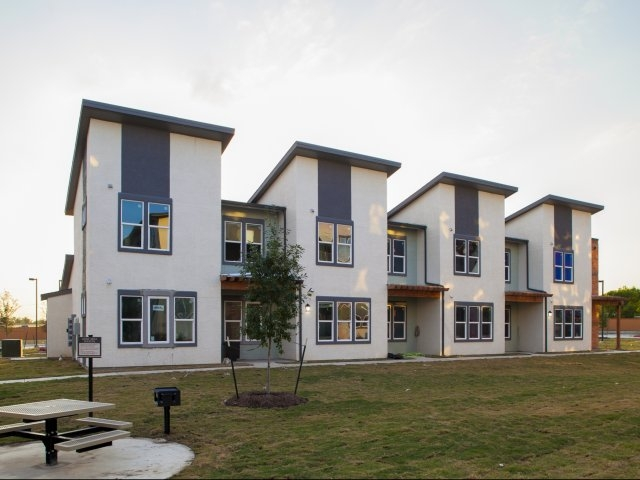 Sienna Pointe Apartments