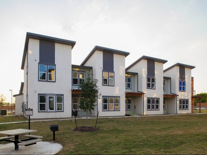 Sienna Pointe Apartments