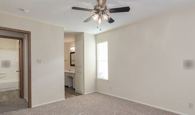 Bedroom at Listing #141110
