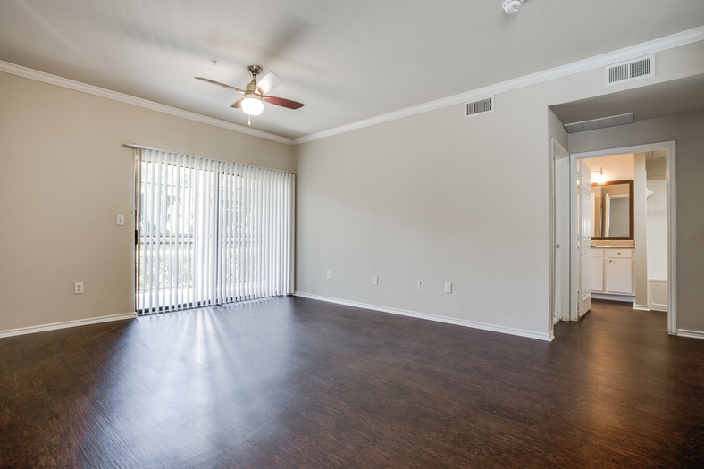 Living at Listing #138012