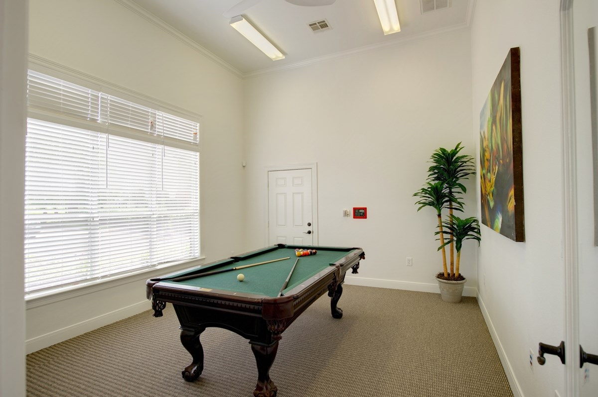 Gameroom at Listing #144472