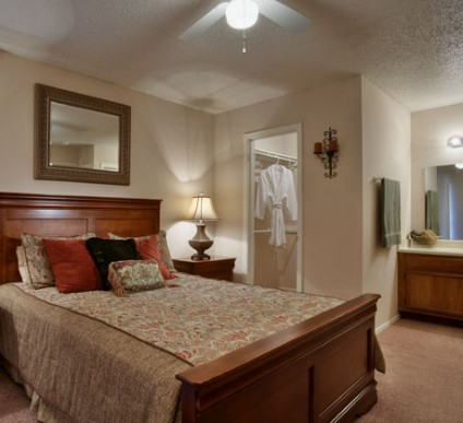 Bedroom at Listing #140522