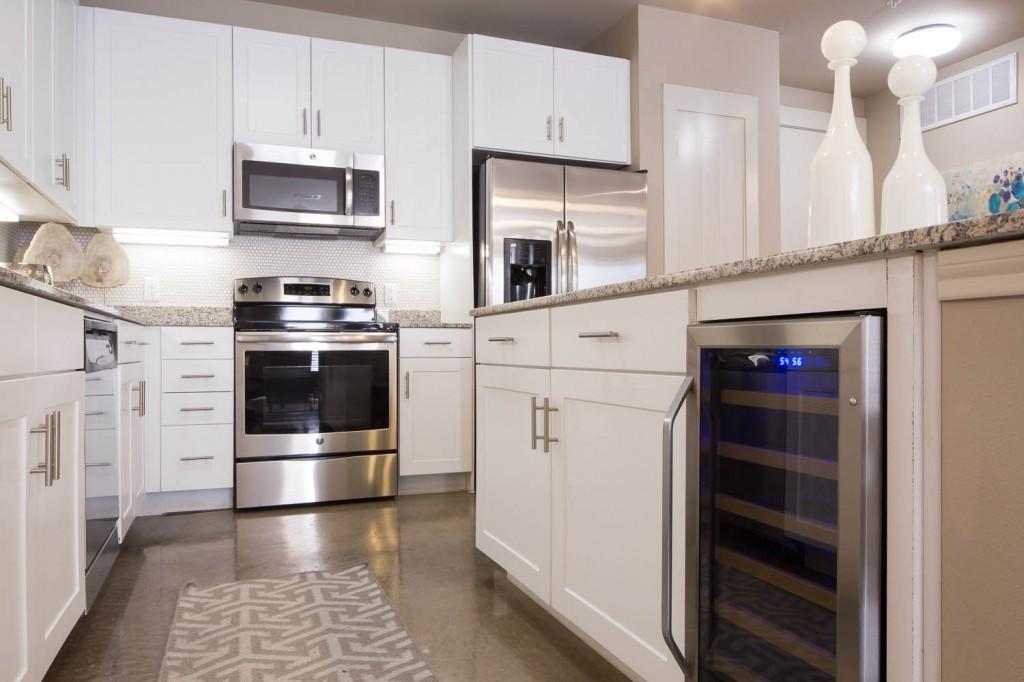 Kitchen at Listing #279132