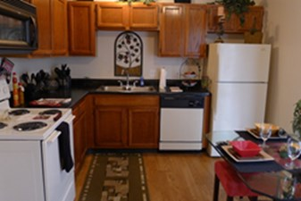 Kitchen at Listing #138615