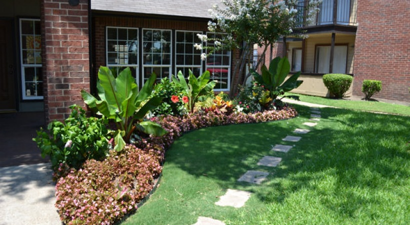 Courtyard at Listing #136374