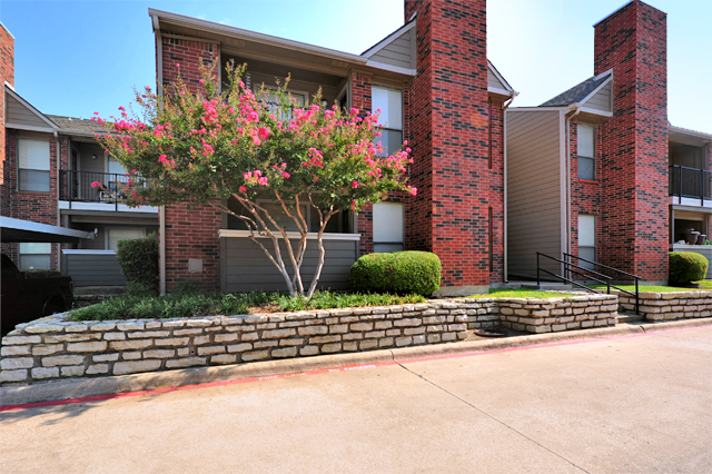 Exterior at Listing #135730