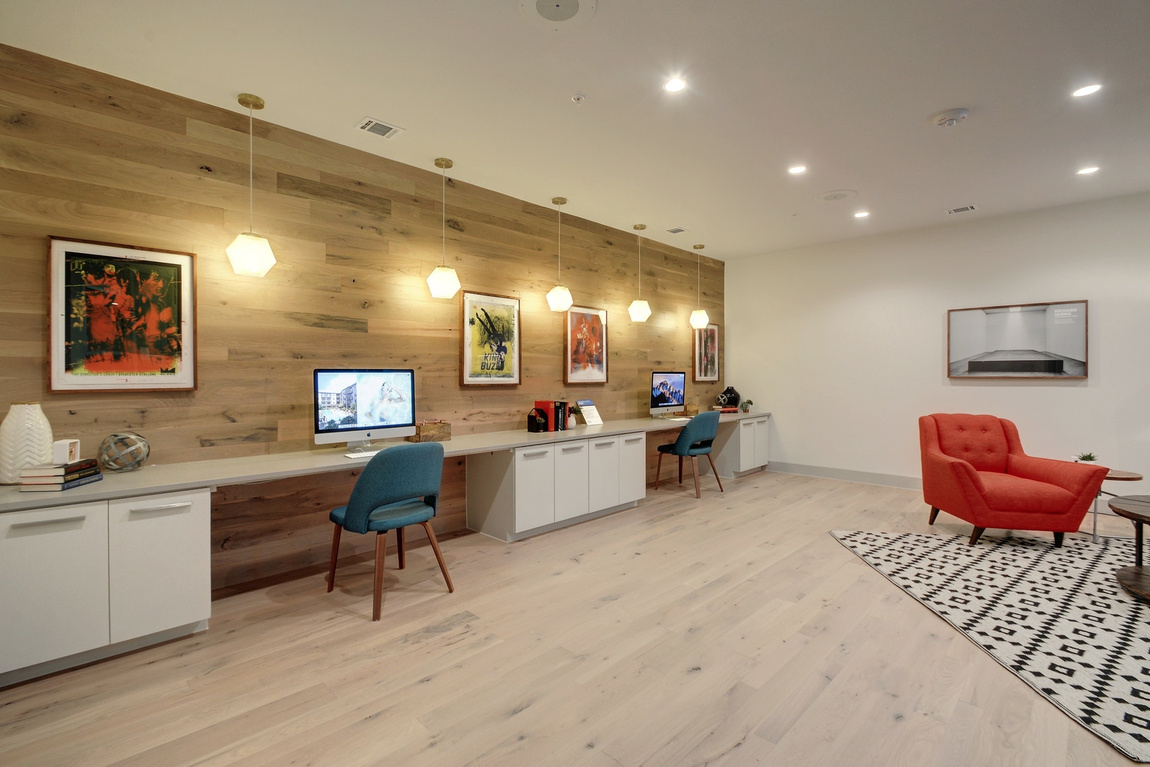 Business Center at Listing #286827