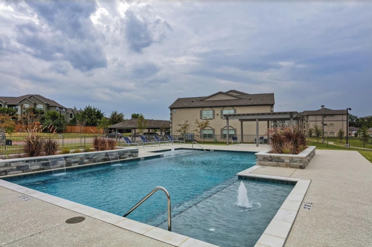 Pool at Listing #275004
