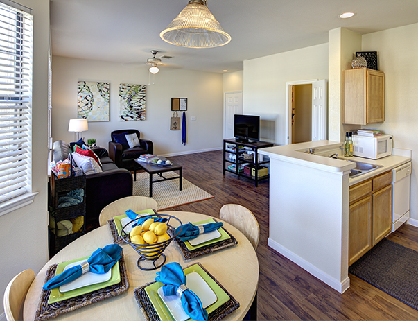 Living Area at Listing #140729
