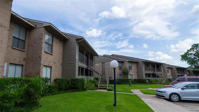 Exterior at Listing #138374