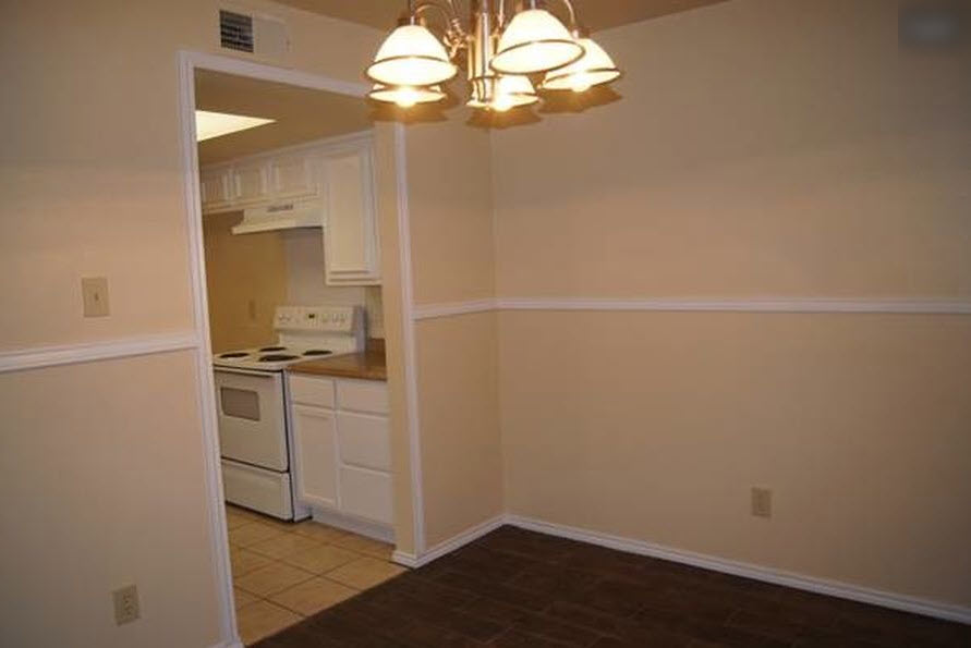Dining/Kitchen at Listing #282760