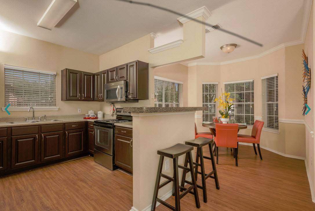 Dining/Kitchen at Listing #138423