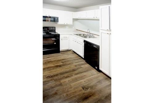 Kitchen at Listing #141027