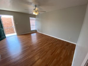 Living at Listing #307307