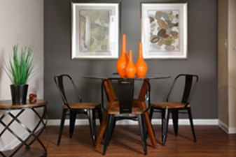 Dining at Listing #140079