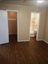 Bedroom at Listing #136662