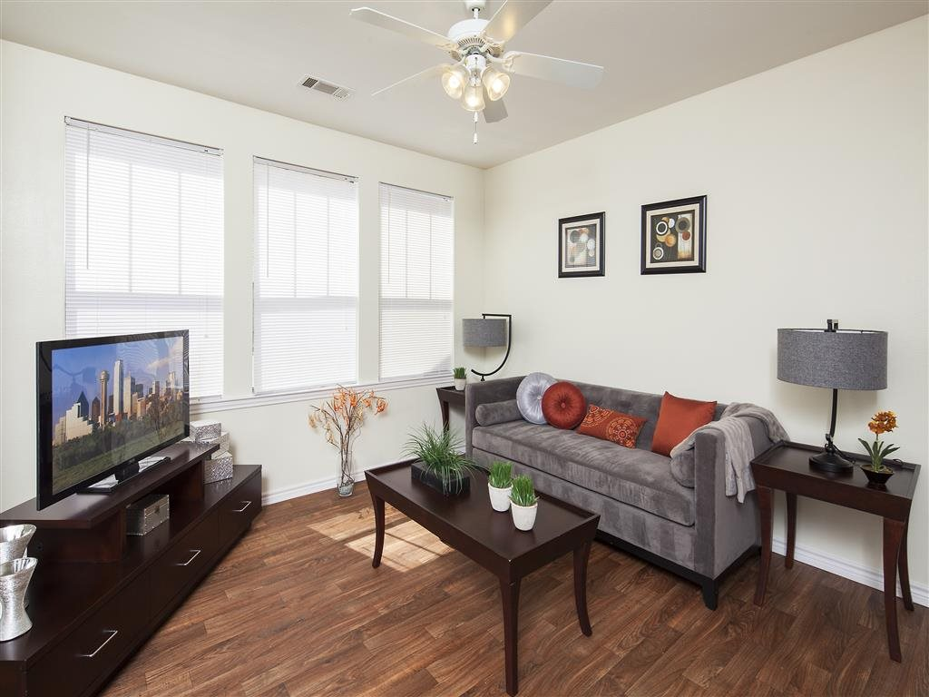 Living Area at Listing #150580