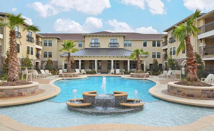 Pool at Listing #262343