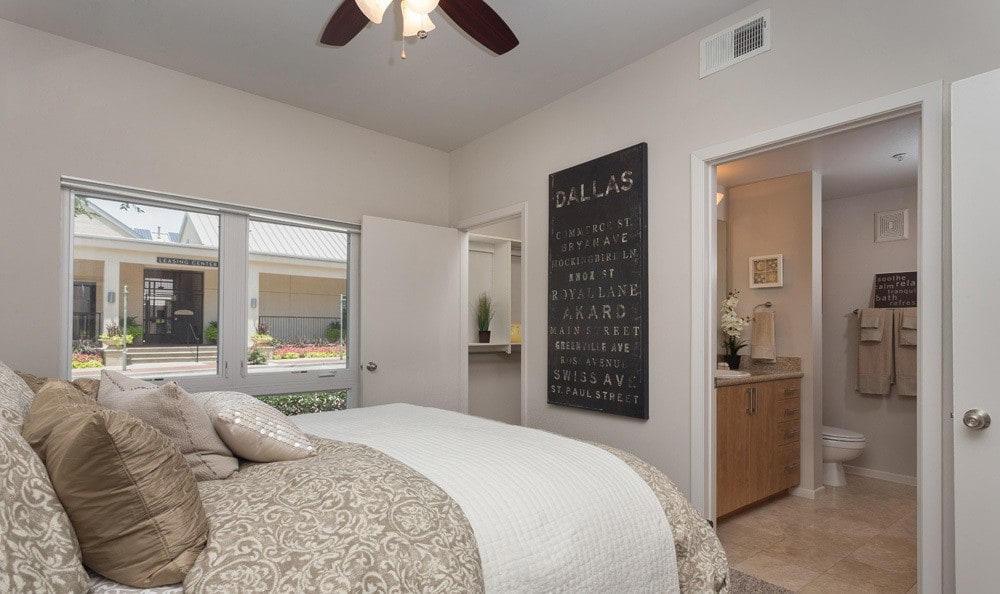 Bedroom at Listing #138087