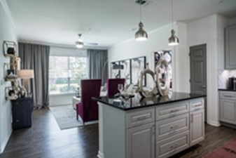 Living/Kitchen at Listing #153076