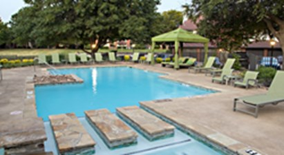 Pool at Listing #136547