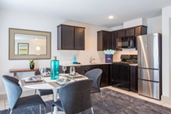 Dining/Kitchen at Listing #302196