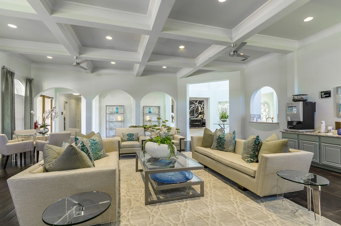Lounge at Listing #280598