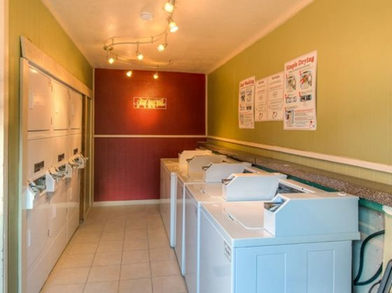 Laundry at Listing #136141