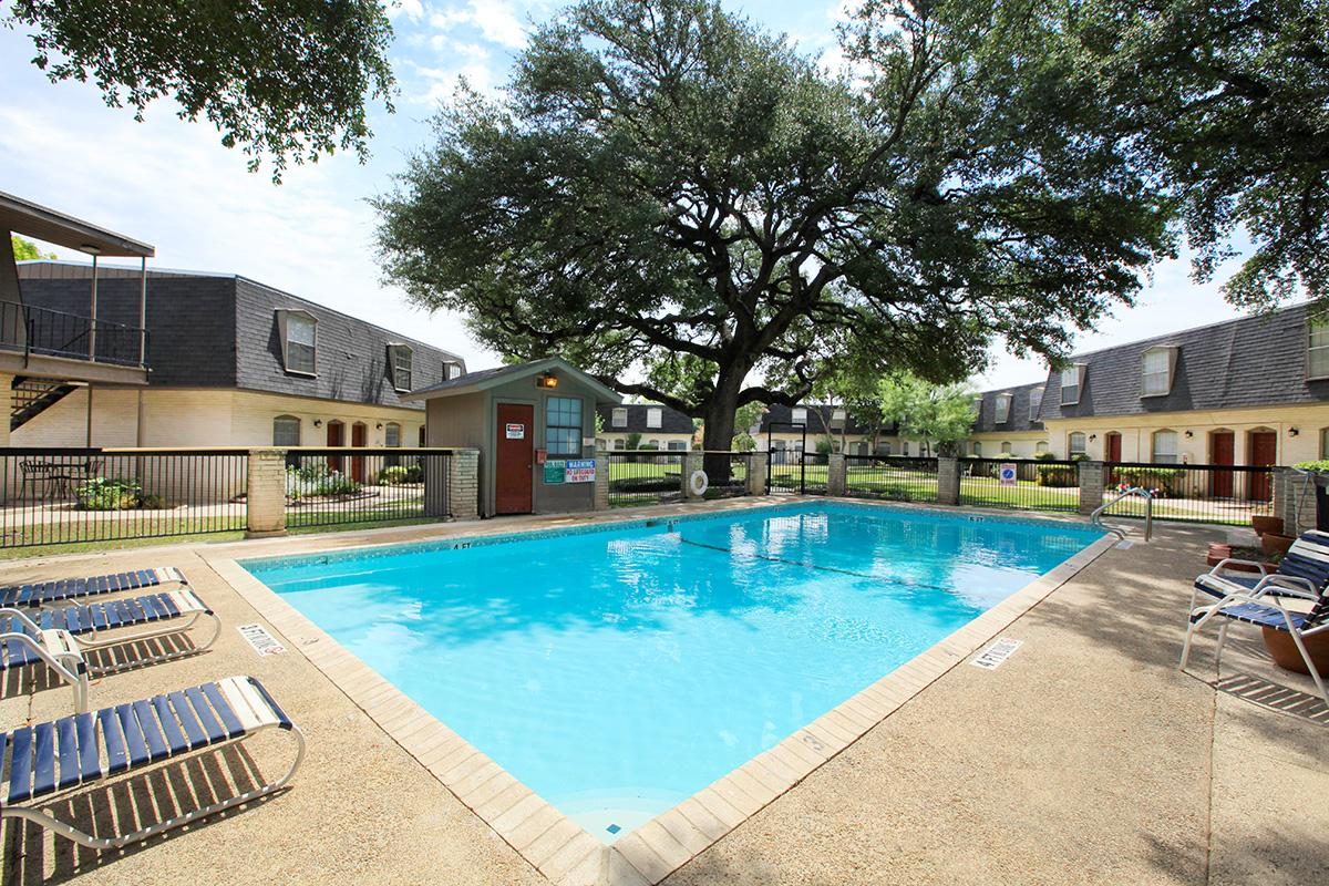 Pool at Listing #141014