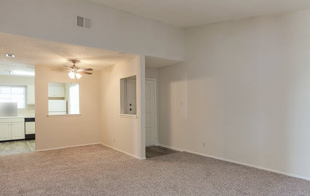 Living/Dining at Listing #141110