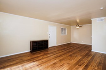 Living at Listing #141325