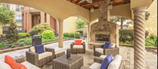 Lounge at Listing #136682