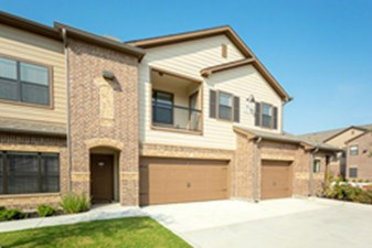 Exterior at Listing #282391