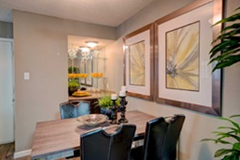 Dining at Listing #140426