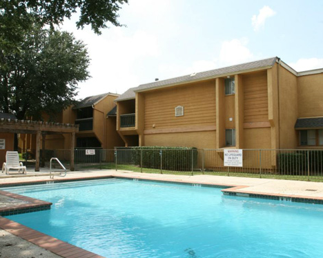 Pool at Listing #144862