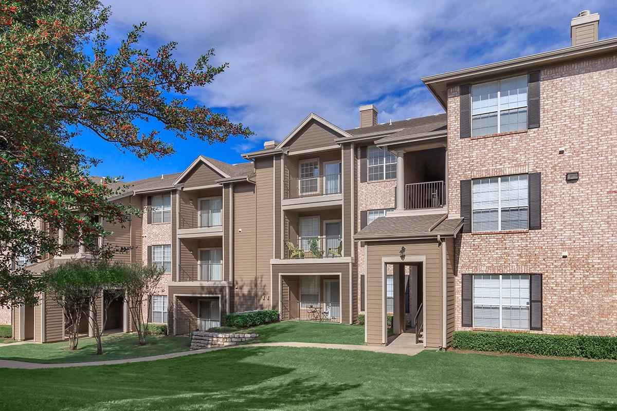 Exterior at Listing #137697