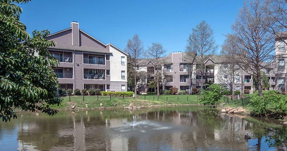 Lakes at Renaissance Park Apartments