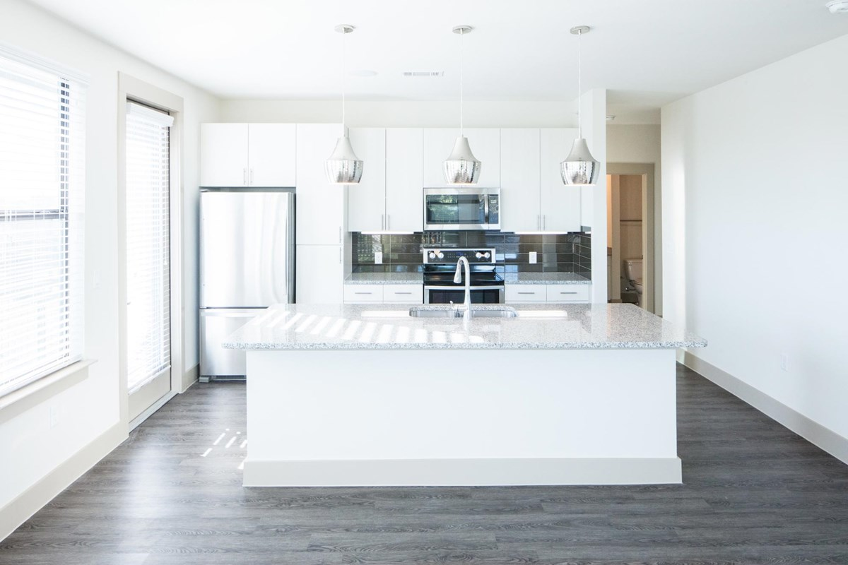 Kitchen at Listing #299572