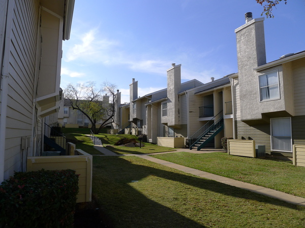 Hidden Valley Apartments Arlington TX