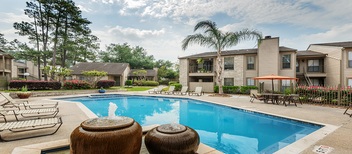 Pool at Listing #138654