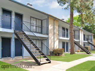 Exterior at Listing #139396