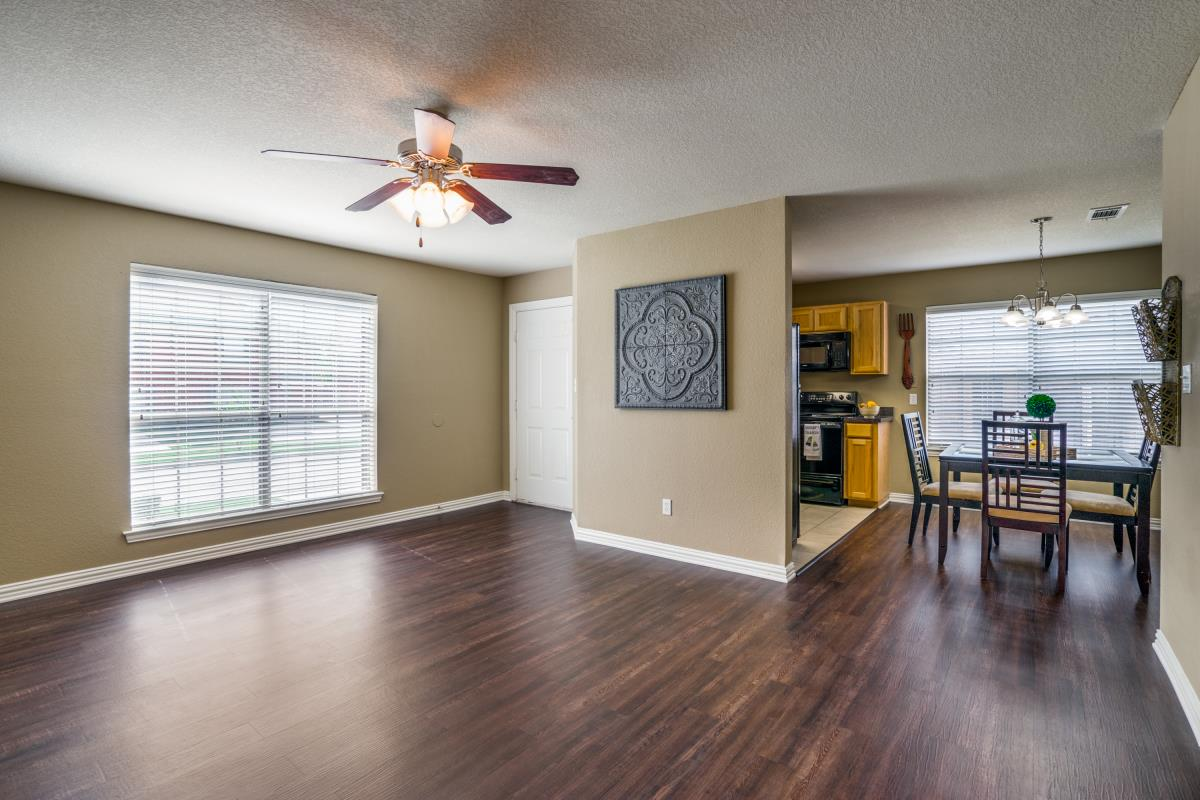Living/Dining at Listing #147102