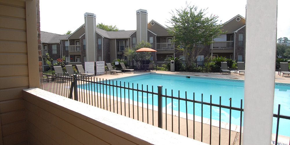 Pool at Listing #138683