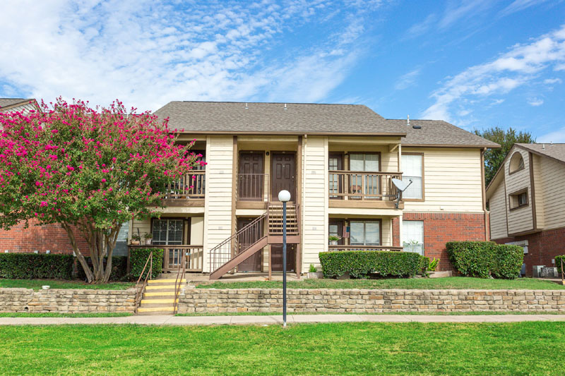 Exterior at Listing #135948