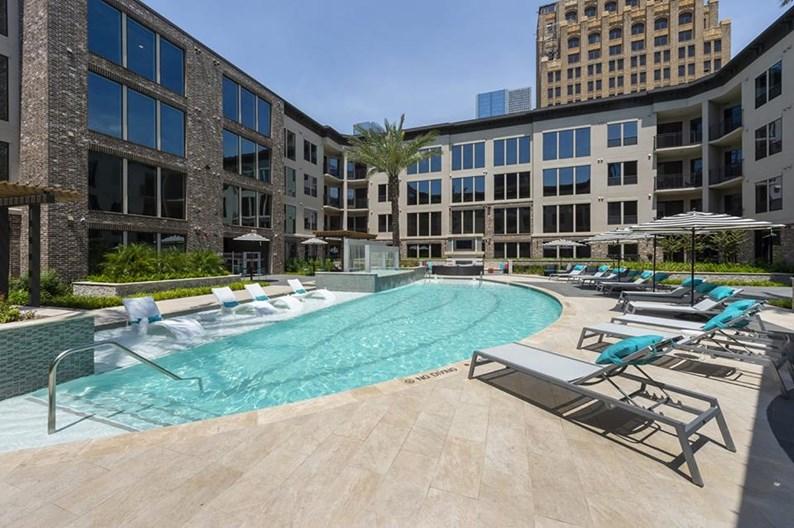 1414 Texas Downtown Apartments