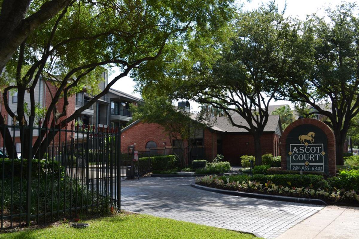 Ascot Court Apartments Houston TX