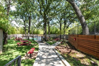 Courtyard at Listing #136866