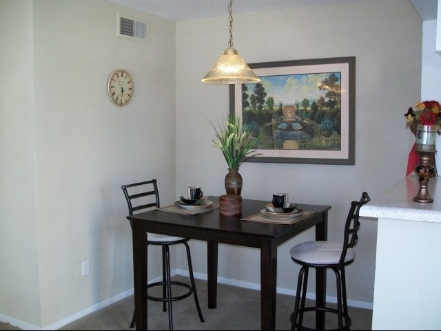 Dining at Listing #139057