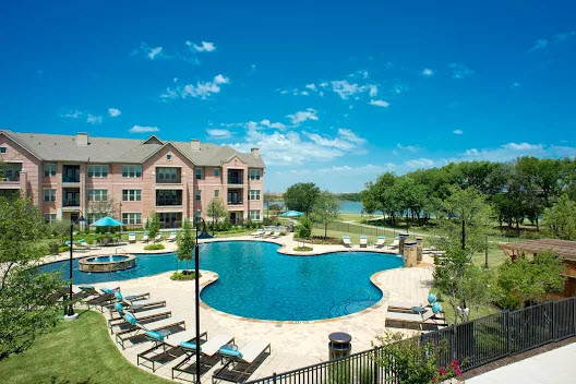 Lincoln Waters Edge II Apartments Farmers Branch, TX