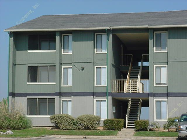 Exterior 4 at Listing #138371